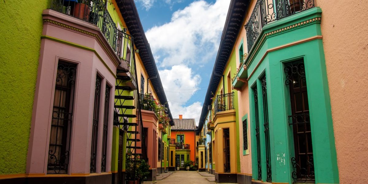 Bogotá o Medellín a partir de AR$ 21.126 (U$D 364) desde Bs. As.