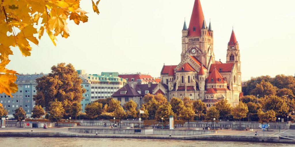 Travel Sale: Viena desde Río con regreso desde Bolonia a Bs. As. -flexible-
