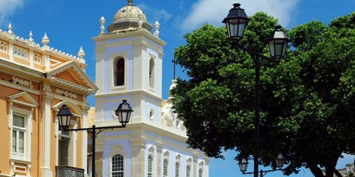 Vuelos a Río o Salvador de Bahía desde Foz a partir de AR$ 6.385 (U$D 112)